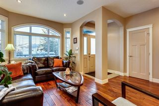 Photo 5: 1110 42 Street SW in Calgary: Rosscarrock Detached for sale : MLS®# A1145307
