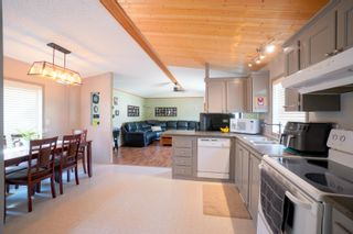Photo 5: 31 North Drive in Portage la Prairie RM: House for sale : MLS®# 202117386