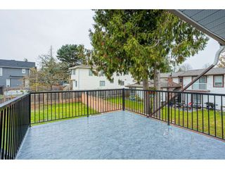 """Photo 30: 6017 189 Street in Surrey: Cloverdale BC House for sale in """"CLOVERHILL"""" (Cloverdale)  : MLS®# R2516494"""