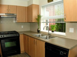 """Photo 6: # 104 4723 DAWSON ST in Burnaby: Brentwood Park Condo for sale in """"COLLAGE"""" (Burnaby North)  : MLS®# V884491"""