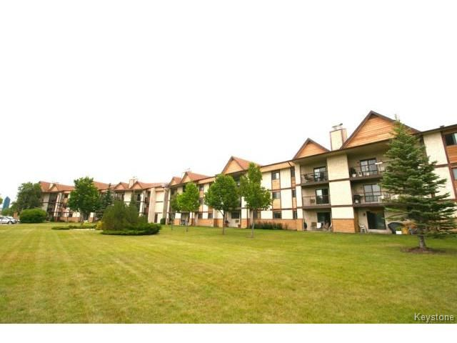 Main Photo:  in WINNIPEG: River Heights / Tuxedo / Linden Woods Condominium for sale (South Winnipeg)  : MLS®# 1419384