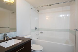 """Photo 5: 2002 10777 UNIVERSITY Drive in Surrey: Whalley Condo for sale in """"CITY POINT"""" (North Surrey)  : MLS®# R2595806"""