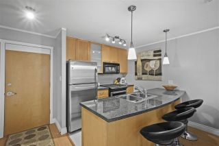 "Photo 10: 605 989 RICHARDS Street in Vancouver: Downtown VW Condo for sale in ""The Modrian"" (Vancouver West)  : MLS®# R2561153"