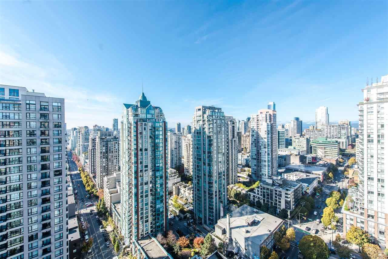 """Photo 1: Photos: 2901 888 HOMER Street in Vancouver: Downtown VW Condo for sale in """"Biasley"""" (Vancouver West)  : MLS®# R2010144"""