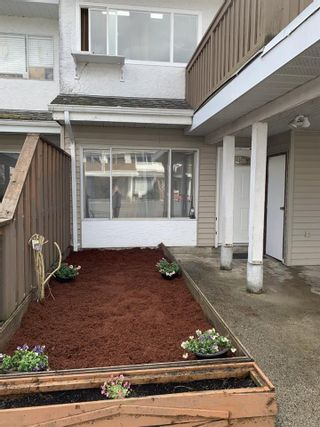 """Photo 4: 3059 268 Street in Langley: Aldergrove Langley Townhouse for sale in """"Bakerview"""" : MLS®# R2550637"""