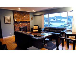 """Photo 3: 3680 BARMOND Avenue in Richmond: Seafair House for sale in """"RICHMOND PARK 'THE MOUNDS'"""" : MLS®# V869907"""