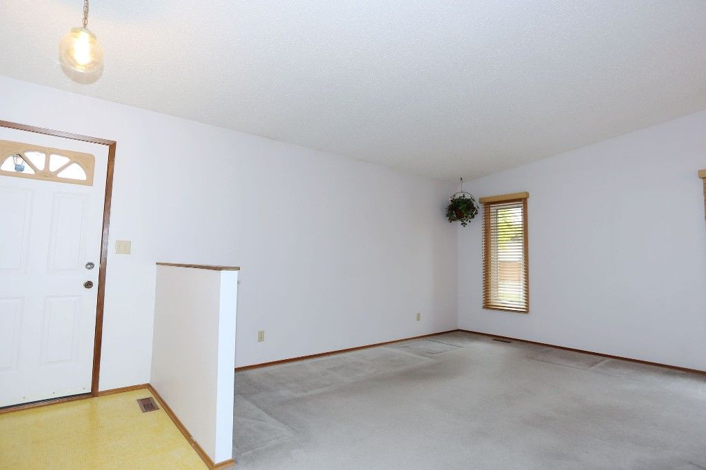 Photo 6: Photos: 68 Timberwood Trail in Winnipeg: Riverbend Single Family Detached for sale (4E)  : MLS®# 1725471