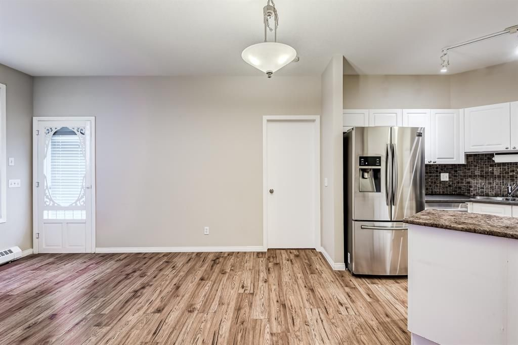 Photo 17: Photos: 204 1000 Applevillage Court SE in Calgary: Applewood Park Apartment for sale : MLS®# A1121312