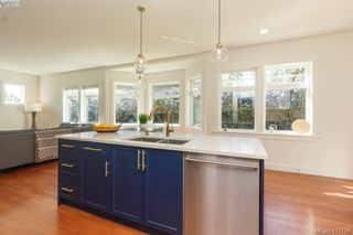 Photo 10: 4039 South Valley Dr in VICTORIA: SW Strawberry Vale House for sale (Saanich West)  : MLS®# 816381