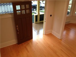 Photo 13: 252 E 10TH ST in North Vancouver: Central Lonsdale Condo for sale : MLS®# V1028207