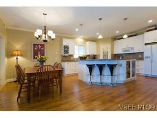 Photo 11: 2105 Bishops Gate in VICTORIA: La Bear Mountain House for sale (Langford)  : MLS®# 487689