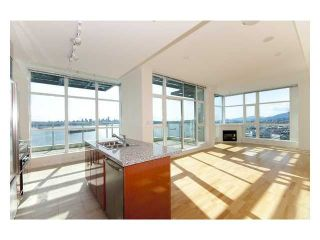 Photo 2: 2302 188 E Esplanade Street in North Vancouver: Lower Lonsdale Condo for sale : MLS®# V821505