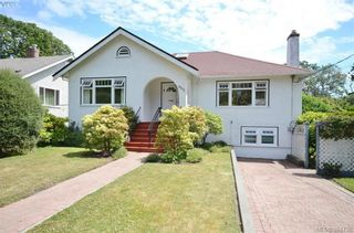 Photo 1: 1377 Hampshire Rd in VICTORIA: OB South Oak Bay House for sale (Oak Bay)  : MLS®# 791349