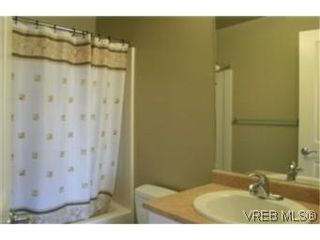 Photo 5: 302 2220 Sooke Rd in VICTORIA: Co Hatley Park Condo for sale (Colwood)  : MLS®# 482680