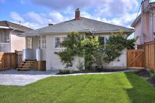"Photo 2: 5651 CHESTER Street in Vancouver: Fraser VE House for sale in ""FRASER VE"" (Vancouver East)  : MLS®# V746920"