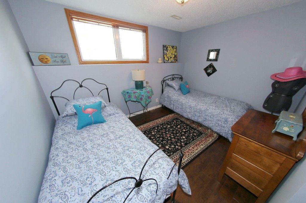 Photo 30: Photos: 105 Athlone Drive in Winnipeg: Grace Hospital Single Family Detached for sale (West Winnipeg)  : MLS®# 1516101