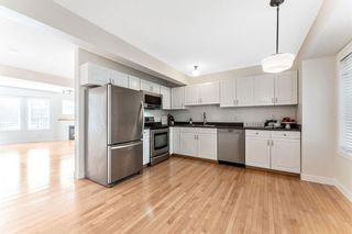 Photo 8: 472 Regal Park NE in Calgary: Renfrew Row/Townhouse for sale : MLS®# A1118290