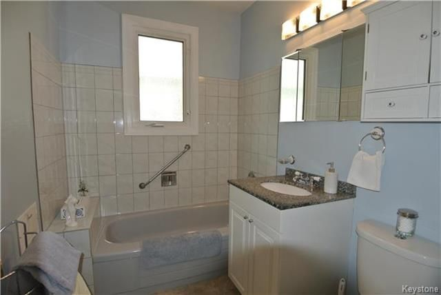 Photo 11: Photos: 410 Cabana Place in Winnipeg: Residential for sale (2A)  : MLS®# 1810085