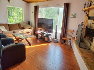 Photo 10: 5704 CARMEL Place in Sechelt: Sechelt District House for sale (Sunshine Coast)  : MLS®# R2504728