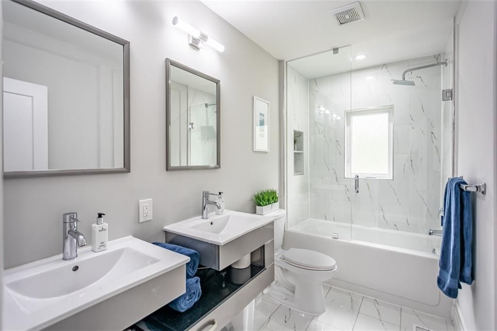 Photo 13: Photos: 2221 COURTLAND Drive in Burlington: Residential for sale : MLS®# H4084353