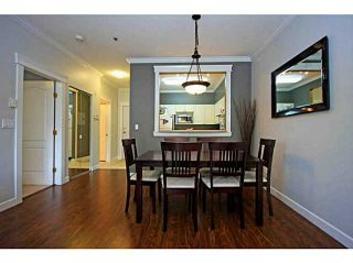 """Photo 4: 107 2340 HAWTHORNE Avenue in Port Coquitlam: Central Pt Coquitlam Condo for sale in """"BARRINGTON PLACE"""" : MLS®# V1097959"""