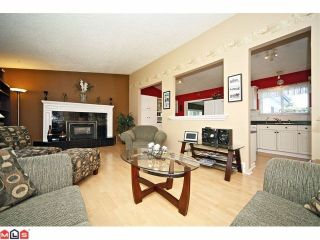 "Photo 3: 20760 39TH Avenue in Langley: Brookswood Langley House for sale in ""BROOKSWOOD"" : MLS®# F1219961"