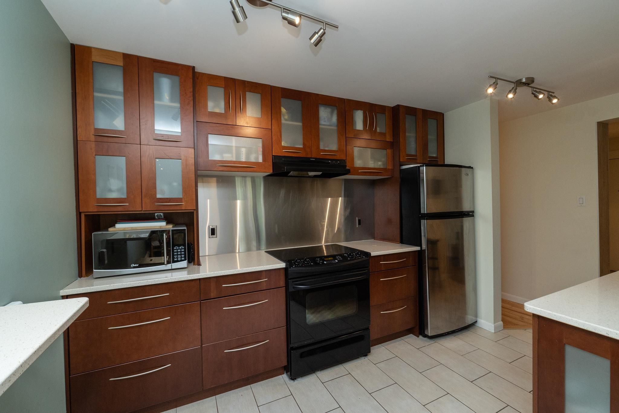Main Photo: 301 10745 83 Avenue in Edmonton: Zone 15 Condo for sale : MLS®# E4259103