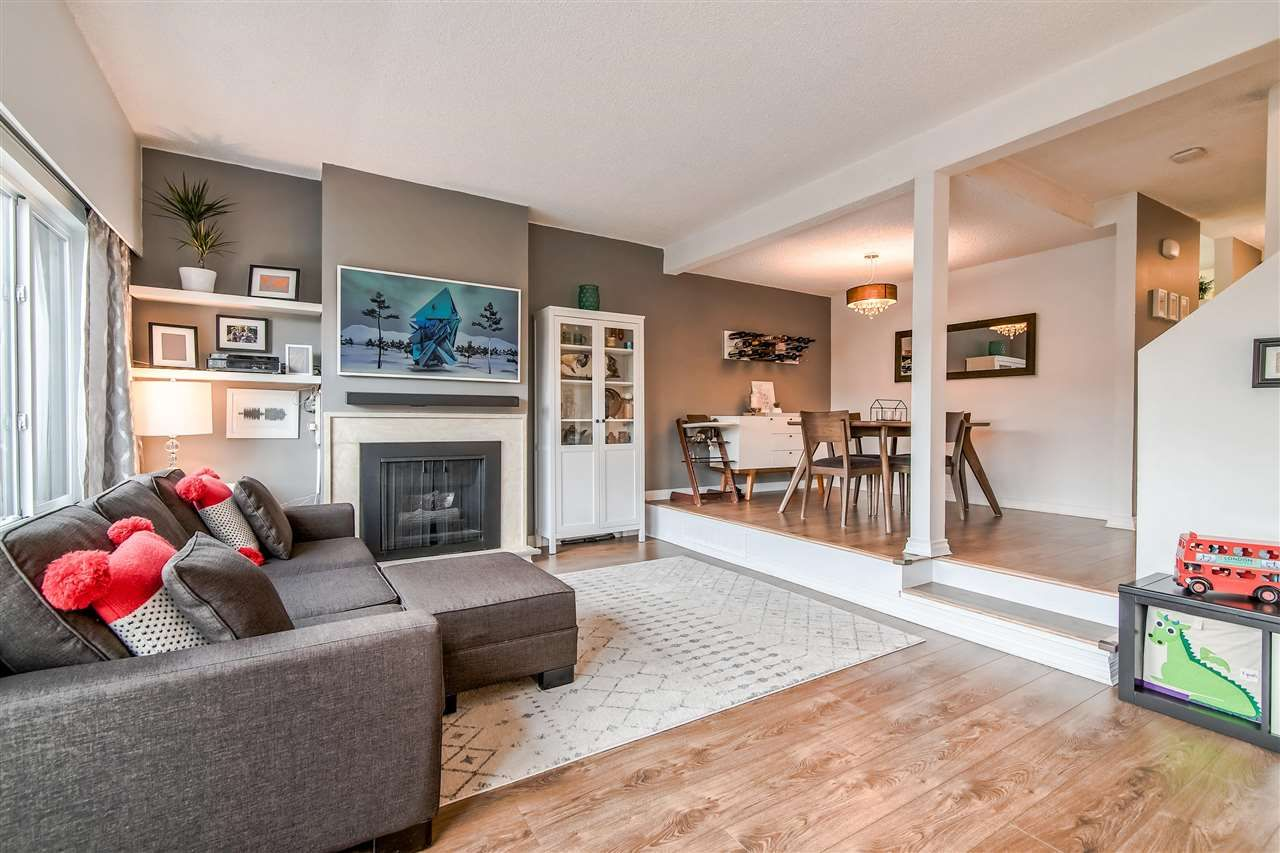 """Main Photo: 1069 LILLOOET Road in North Vancouver: Lynnmour Townhouse for sale in """"Lynnmour West"""" : MLS®# R2338577"""