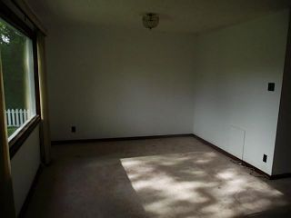 Photo 3: 1430 43 Street SW in CALGARY: Rosscarrock Residential Detached Single Family for sale (Calgary)  : MLS®# C3525905