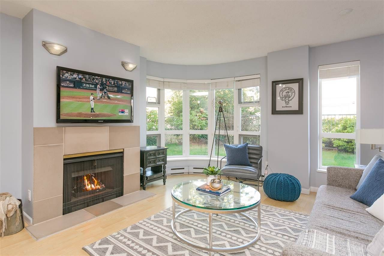 """Photo 4: Photos: 106 2428 W 1ST Avenue in Vancouver: Kitsilano Condo for sale in """"Noble House"""" (Vancouver West)  : MLS®# R2212887"""