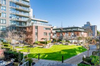 """Photo 15: 206 251 E 7TH Avenue in Vancouver: Mount Pleasant VE Condo for sale in """"District"""" (Vancouver East)  : MLS®# R2443940"""
