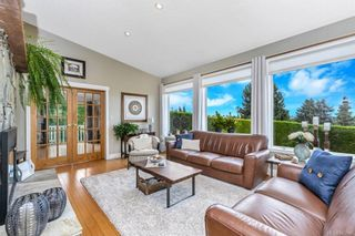 Photo 2: 2284 Lynne Lane in Central Saanich: CS Keating House for sale : MLS®# 843546