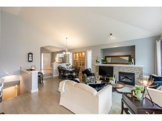 """Photo 5: 22375 50 Avenue in Langley: Murrayville House for sale in """"Hillcrest"""" : MLS®# R2506332"""