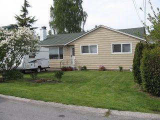 Photo 1: 5499 Chestnut Cr in Ladner: Home for sale : MLS®# V829978