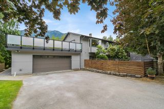 Photo 1: 42025 GOVERNMENT Road: Brackendale House for sale (Squamish)  : MLS®# R2615355