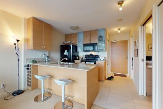 Photo 10: 2209 977 MAINLAND Street in Vancouver: Yaletown Condo for sale (Vancouver West)  : MLS®# R2466094