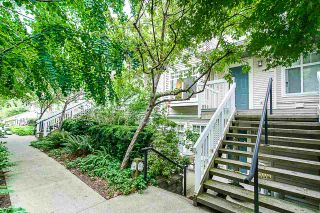"""Photo 4: 58 7488 SOUTHWYNDE Avenue in Burnaby: South Slope Townhouse for sale in """"LEDGESTONE 1"""" (Burnaby South)  : MLS®# R2387112"""