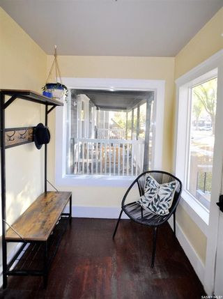 Photo 2: 812 6th Avenue North in Saskatoon: City Park Residential for sale : MLS®# SK872553