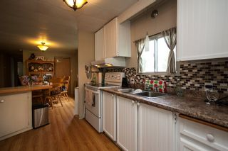 """Photo 5: 260 1840 160TH Street in Surrey: King George Corridor Manufactured Home for sale in """"Breakaway Bays"""" (South Surrey White Rock)  : MLS®# R2176402"""