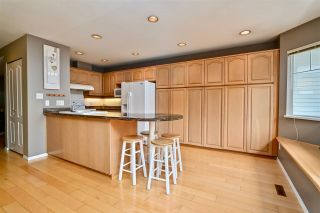 """Photo 8: 257 WATERLEIGH Drive in Vancouver: Marpole Townhouse for sale in """"SPRINGS AT LANGARA"""" (Vancouver West)  : MLS®# R2457587"""