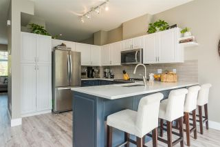"""Photo 2: 6 18828 69 Avenue in Surrey: Clayton Townhouse for sale in """"Starpoint"""" (Cloverdale)  : MLS®# R2298296"""