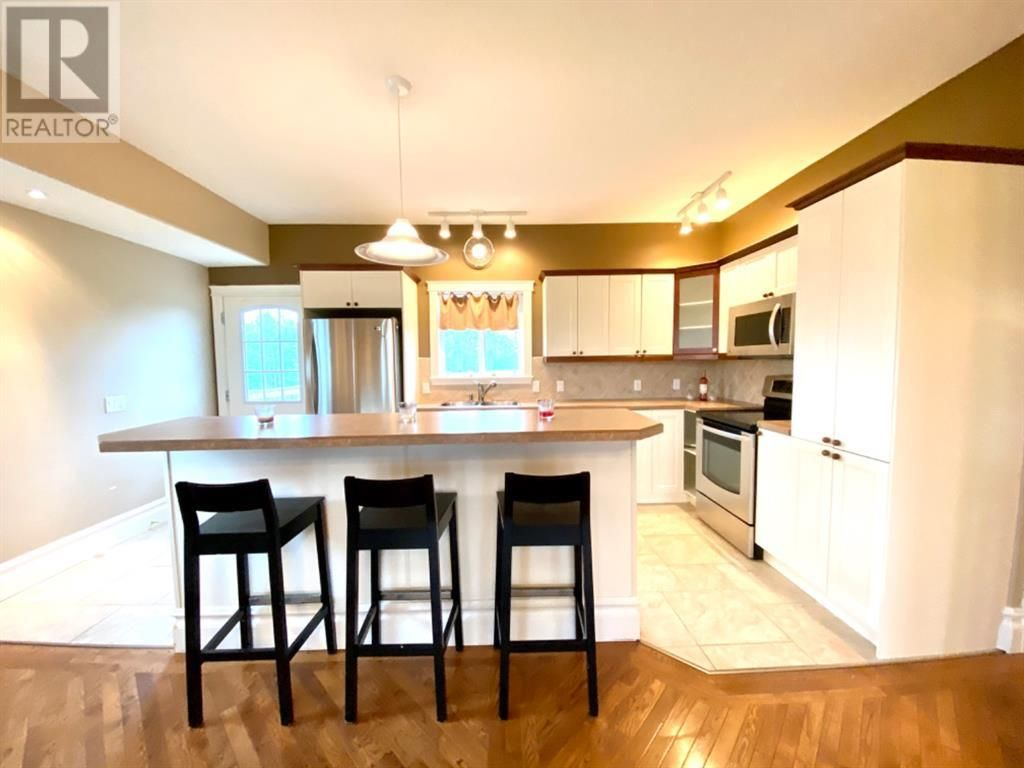 Photo 5: Photos: 4114 48 Avenue in Mayerthorpe: House for sale : MLS®# A1056463