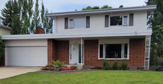 Photo 1: 40 VALLEYVIEW Crescent in Edmonton: Zone 10 House for sale : MLS®# E4248629