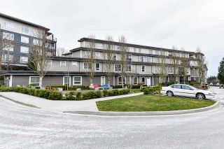 """Photo 3: 503 13897 FRASER Highway in Surrey: Whalley Condo for sale in """"The Edge"""" (North Surrey)  : MLS®# R2539795"""