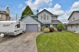 Photo 1: 23205 AURORA Place in Maple Ridge: East Central House for sale : MLS®# R2592522