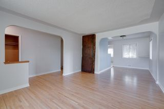 Photo 2: 2204 38 Street SW in Calgary: Glendale Detached for sale : MLS®# A1128360
