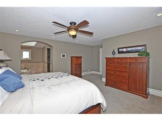 Photo 17: 18 DISCOVERY VISTA Point(e) SW in Calgary: Discovery Ridge House for sale : MLS®# C4018901
