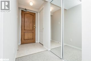 Photo 2: 117 EDGEHILL Drive Unit# 104 in Barrie: Condo for sale : MLS®# 40147841