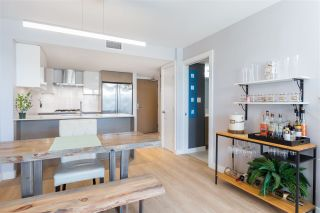 """Photo 10: 906 1618 QUEBEC Street in Vancouver: Mount Pleasant VE Condo for sale in """"CENTRAL"""" (Vancouver East)  : MLS®# R2400058"""