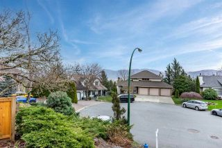 Photo 5: 36049 VILLAGE Knoll: House for sale in Abbotsford: MLS®# R2541200
